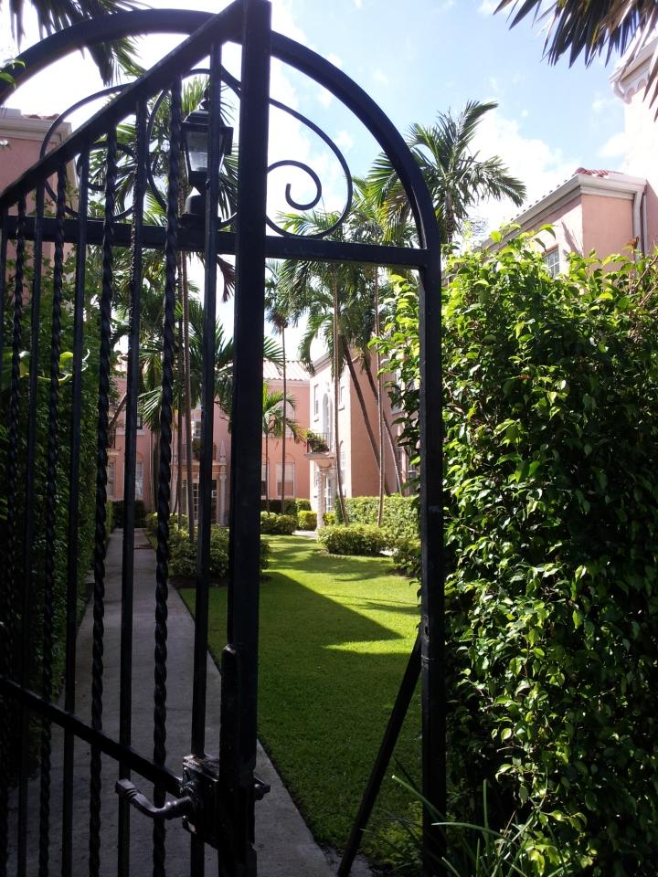 Photo: Flavia Caldas // Location: South Beach, Florida
