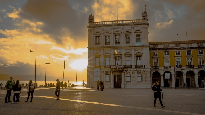 sunset at Praca do Comercio